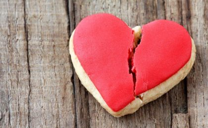 broken heart breakup cookie